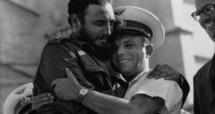 161132018_18010710-Fidel-Gagarin-hug-1512639985-650-4e1d716b7b-1513757353