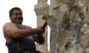 14572016_Kadom-al-Jabouri-attacks-009